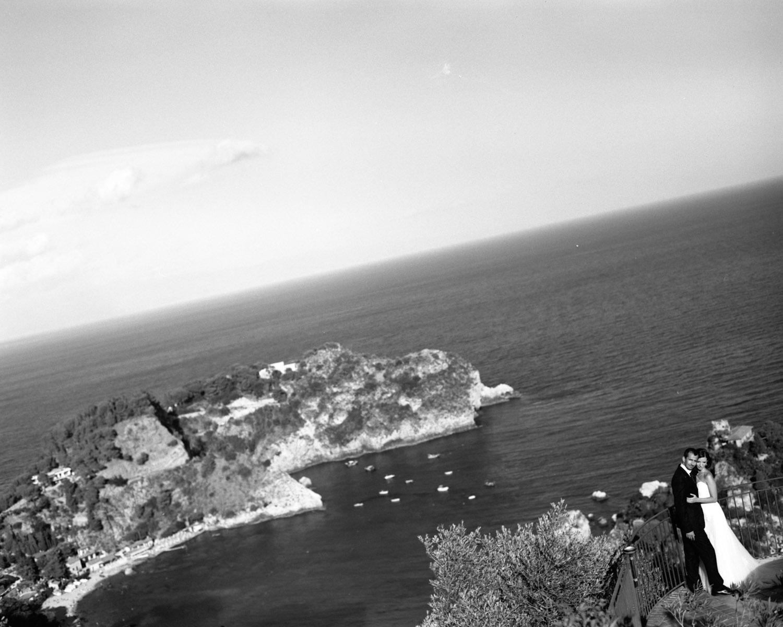 katona-tamas-fotos-eskuvoi-analog-fekete-feher-kepek-fotozasa-016