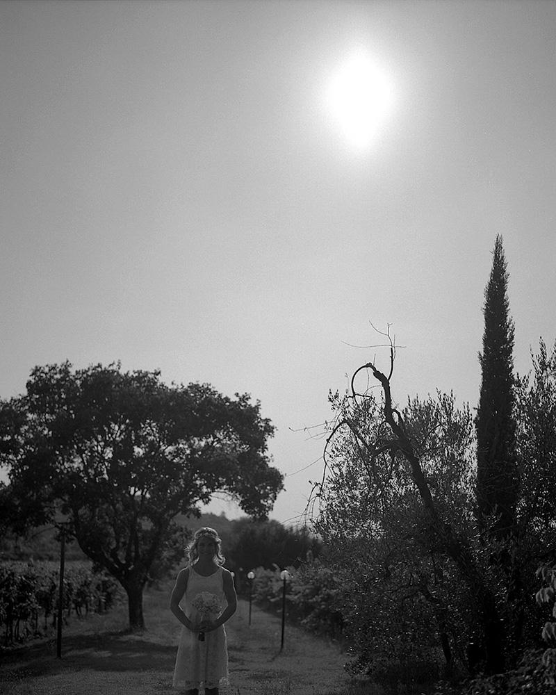 katona-tamas-fotos-eskuvoi-analog-fekete-feher-kepek-fotozasa-056